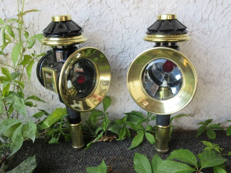 Pair of classic lamps
